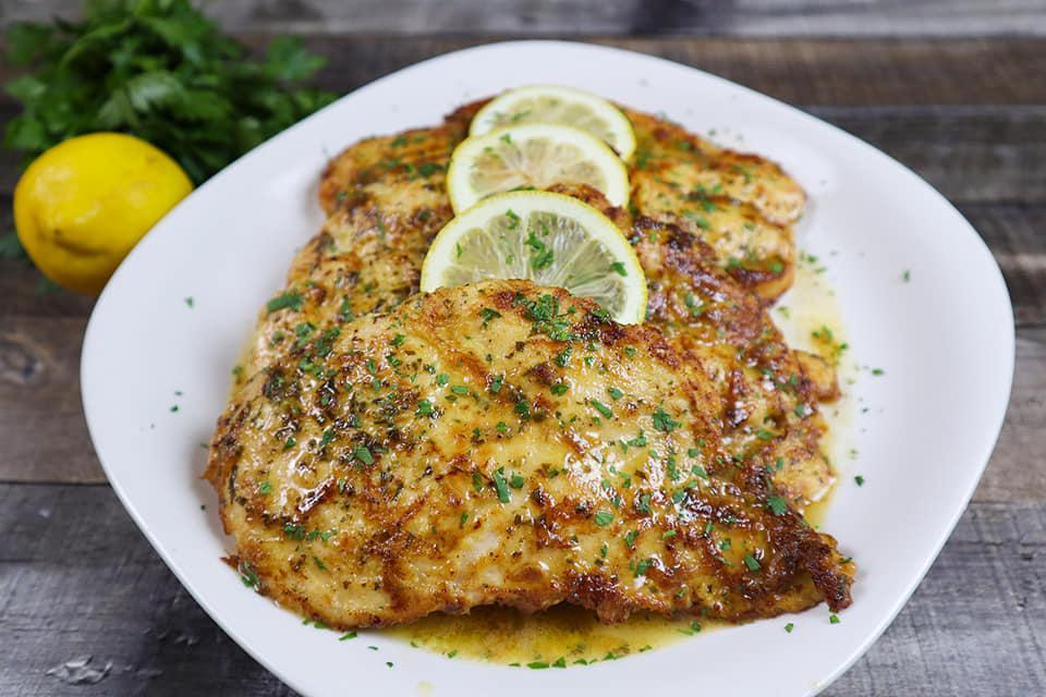 Κοτόπουλο με σάλτσα κρασιού...είναι μια από τις πιο νόστιμες συνταγές για δείπνο - Η Μαγειρική ανήκει σε όλους